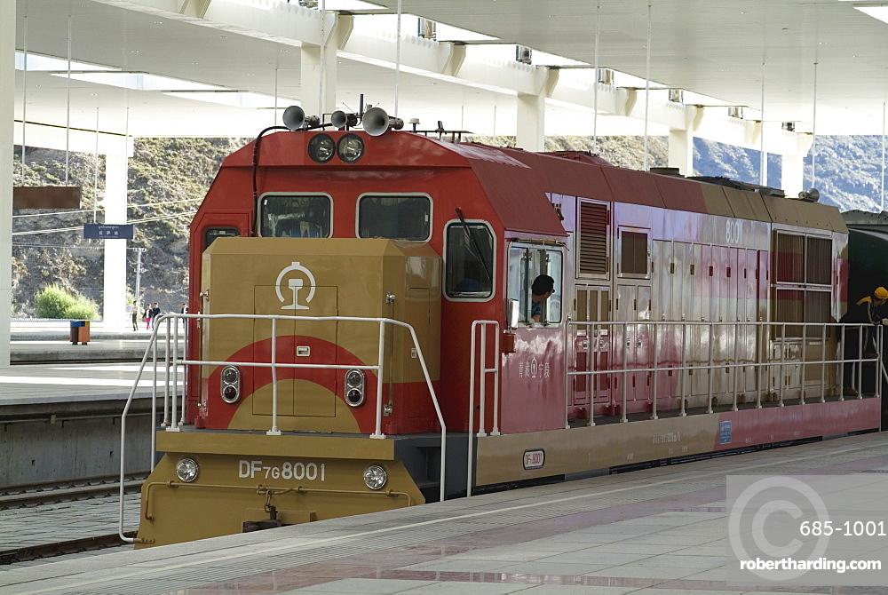 Engine, New Railway station, Beijing to Lhasa, Lhasa, Tibet, China, Asia