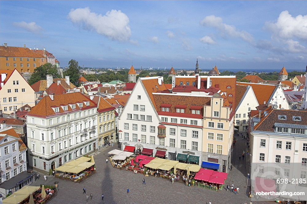 Old town square with cafe canopies, Old town, UNESCO World Heritage Site, Tallinn, Estonia, Baltic States, Europe