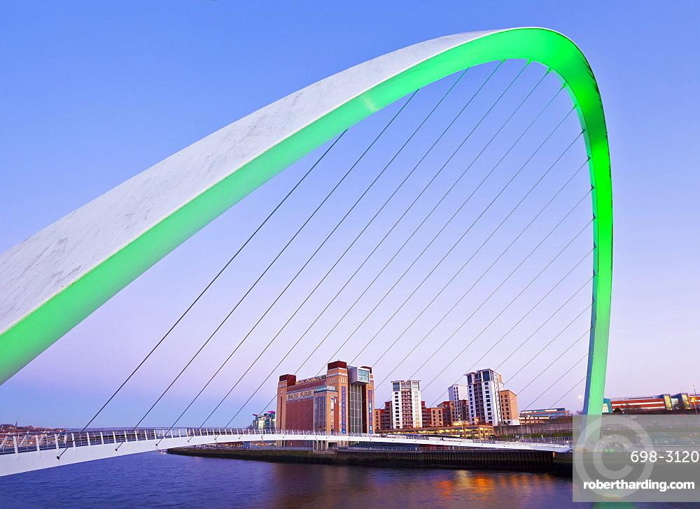Gateshead Millennium Bridge over River Tyne, Newcastle-upon-Tyne, Tyne and Wear, Tyneside, England, United Kingdom, Europe
