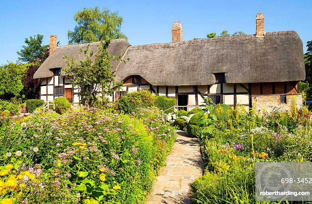 Anne Hathaway's cottage a thatched cottage in a cottage garden Shottery near Stratford upon Avon Warwickshire England UK GB