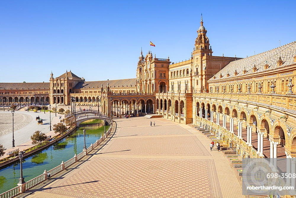 Plaza de Espana with canal and bridge, Maria Luisa Park, Seville, Andalusia, Spain, Europe