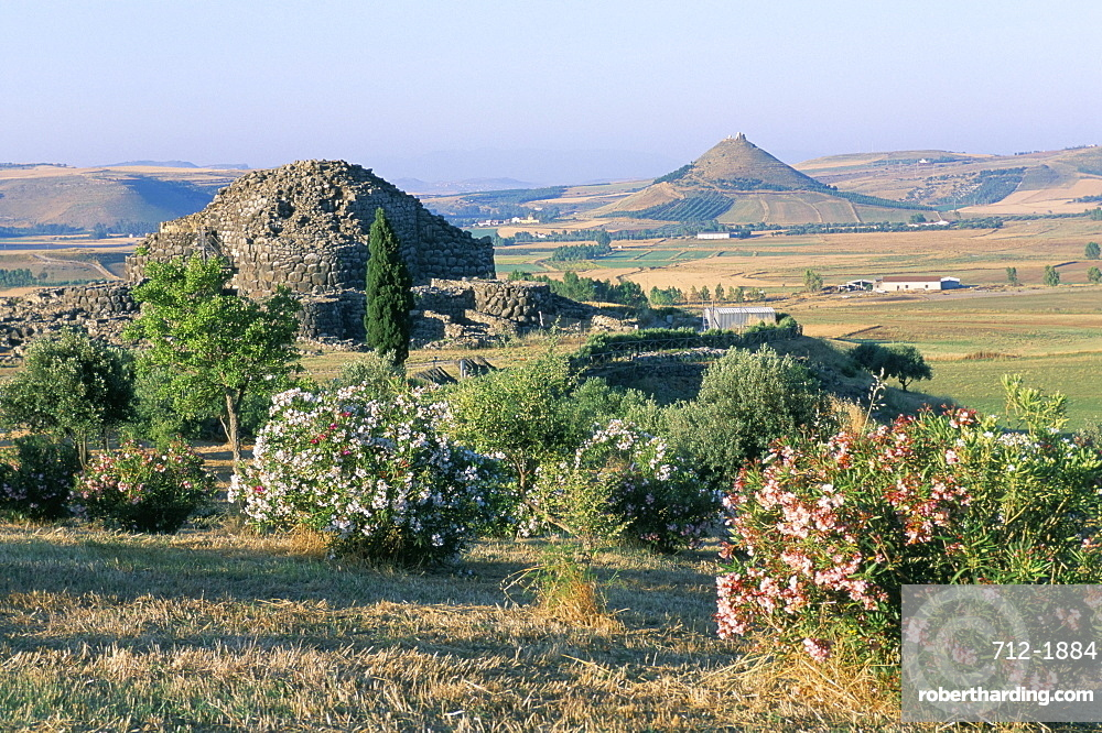Nuraghe Su Nuraxi di Barumini, UNESCO World Heritage Site, island of Sardinia, Italy, Mediterranean, Europe