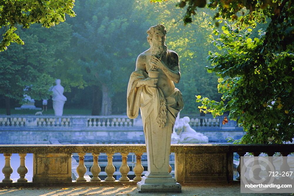 Jardin de la Fontaine, Nimes, Gard, Languedoc, France, Europe