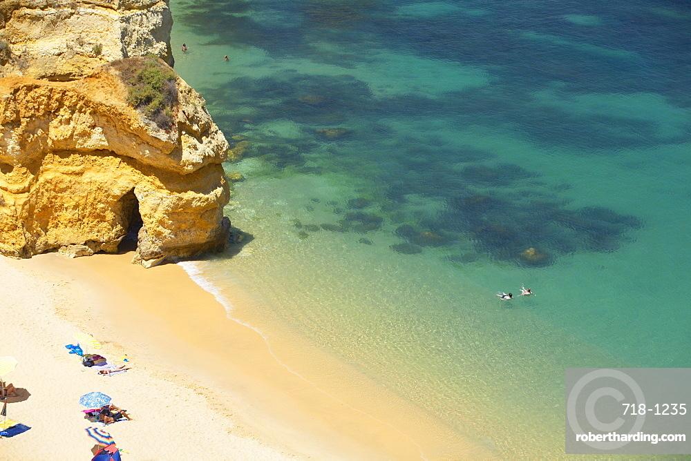 Praia do Camilo (Camilo beach) and coastline, Lagos, western Algarve, Algarve, Portugal, Europe