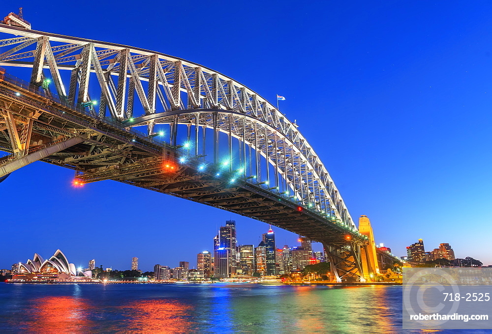 Sydney Harbour Bridge and CBD skyline, Sydney, New South Wales, Australia, Pacific