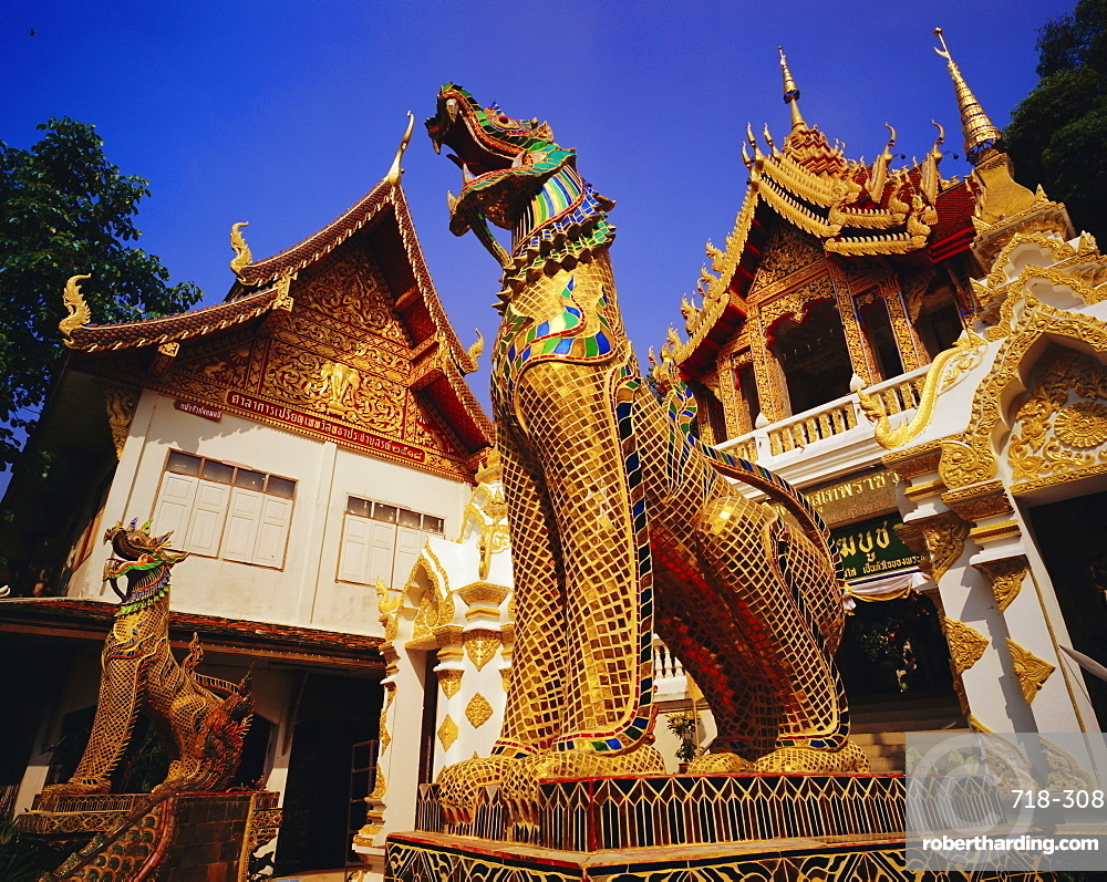 Guardian lions and temple at entrace to Wat Suthep, Wat Phrathat Doi Suthep, Chiang Mai, Thailand