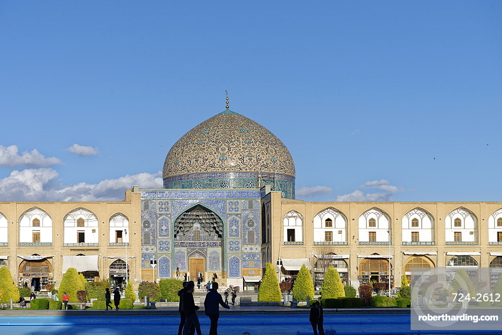 Sheikh Lutfallah Mosque, Naghsh-e Jahan Square, Isfahan, Iran, Middle East