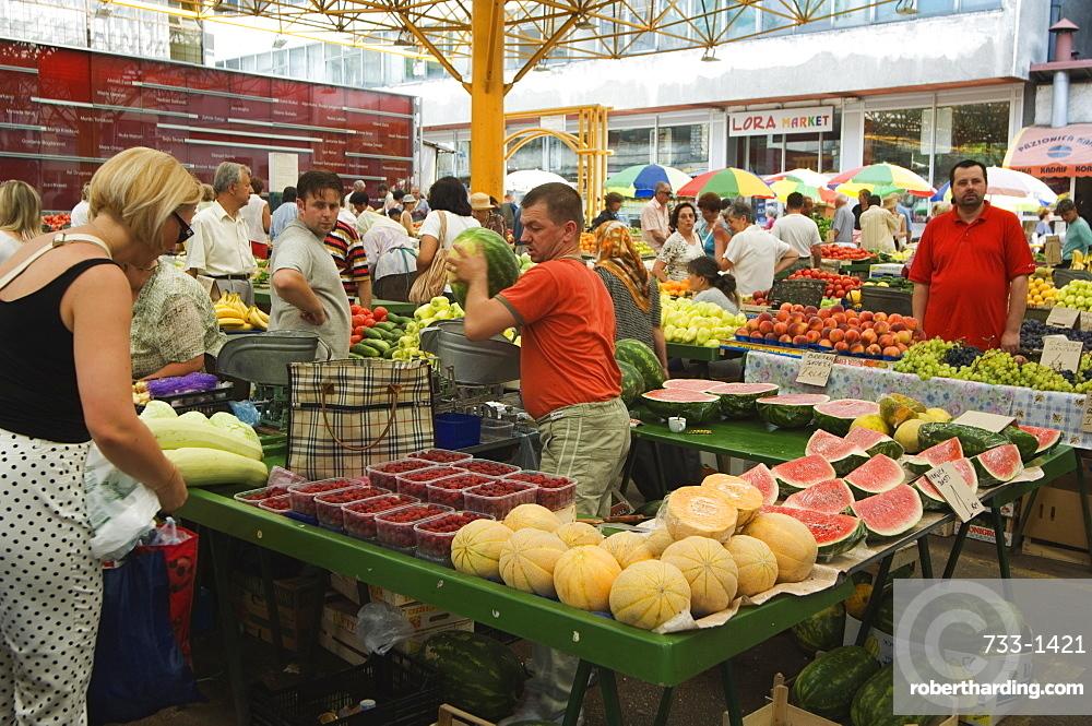 Fruit and vegetable market, Sarajevo, Bosnia, Bosnia-Herzegovina, Europe
