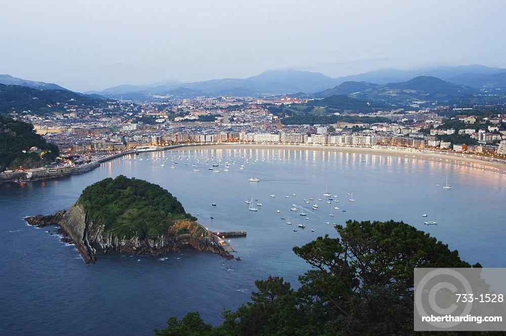 San Sebastian Bay at night, Basque Country, Euskadi, Spain, Europe
