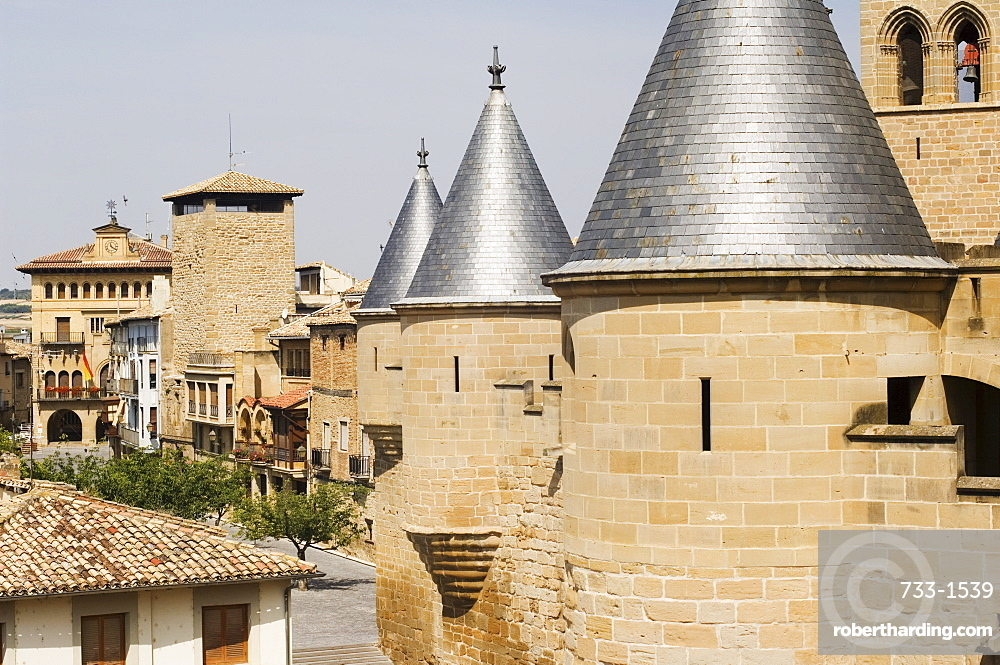 Medieval Old Town, Olite, Navarra, Euskadi, Spain, Europe