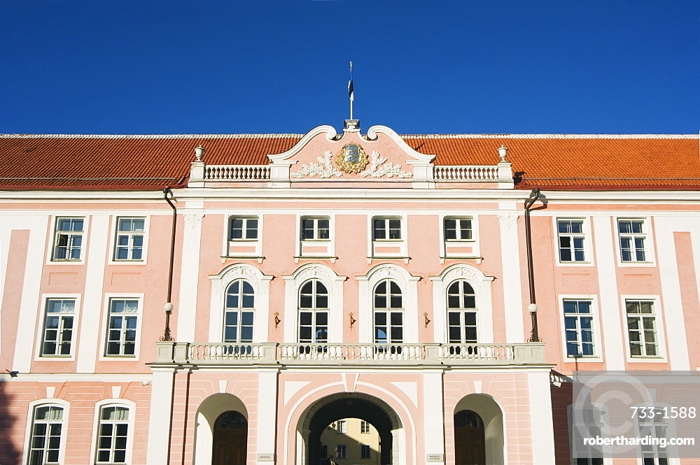 The 18th century Parliament Building on Toompea Hill, Old Town, UNESCO World Heritage Site, Tallinn, Estonia, Baltic States, Europe