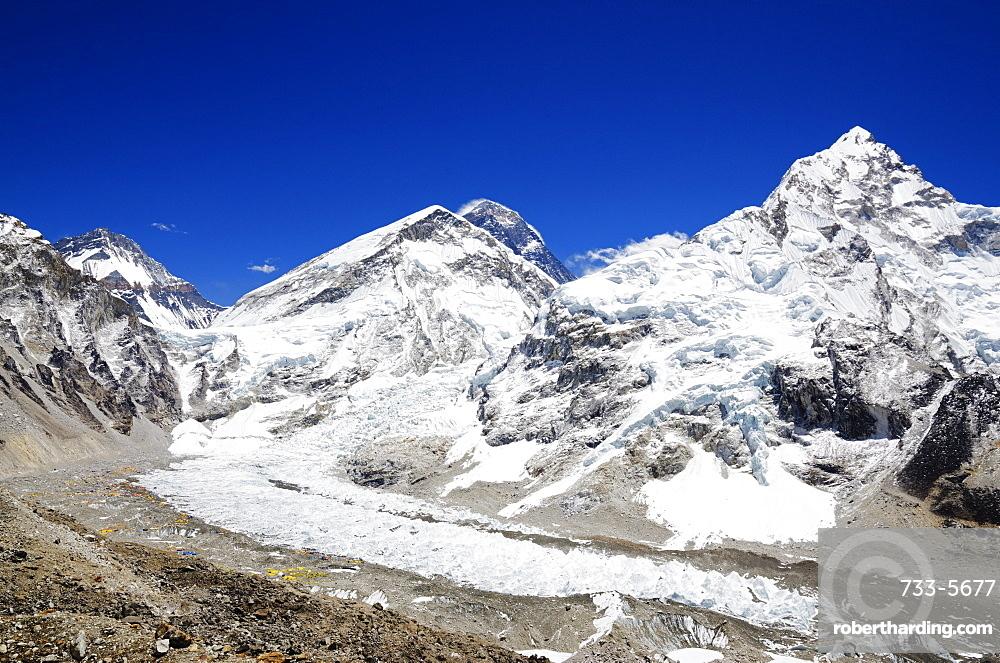 Mount Everest, 8850m, and Nuptse, Khumbu glacier, Solu Khumbu Everest Region, Sagarmatha National Park, UNESCO World Heritage Site, Nepal, Himalayas, Asia