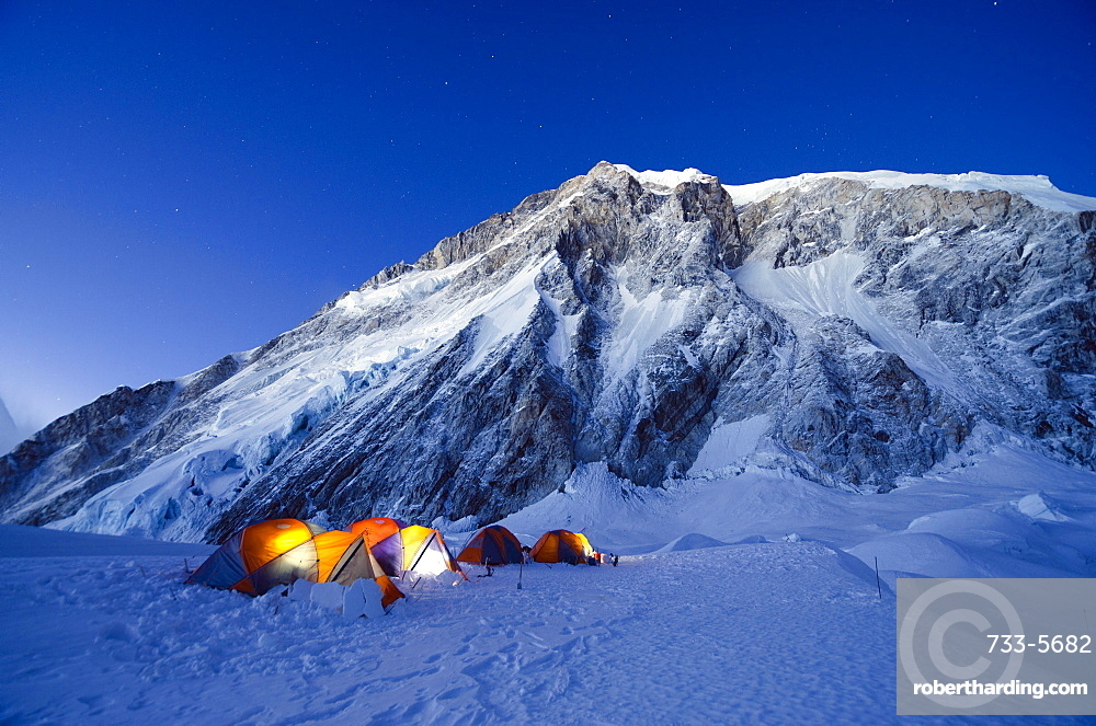Tents at Camp 1 on Mount Everest, Solu Khumbu Everest Region, Sagarmatha National Park, UNESCO World Heritage Site, Nepal, Himalayas, Asia