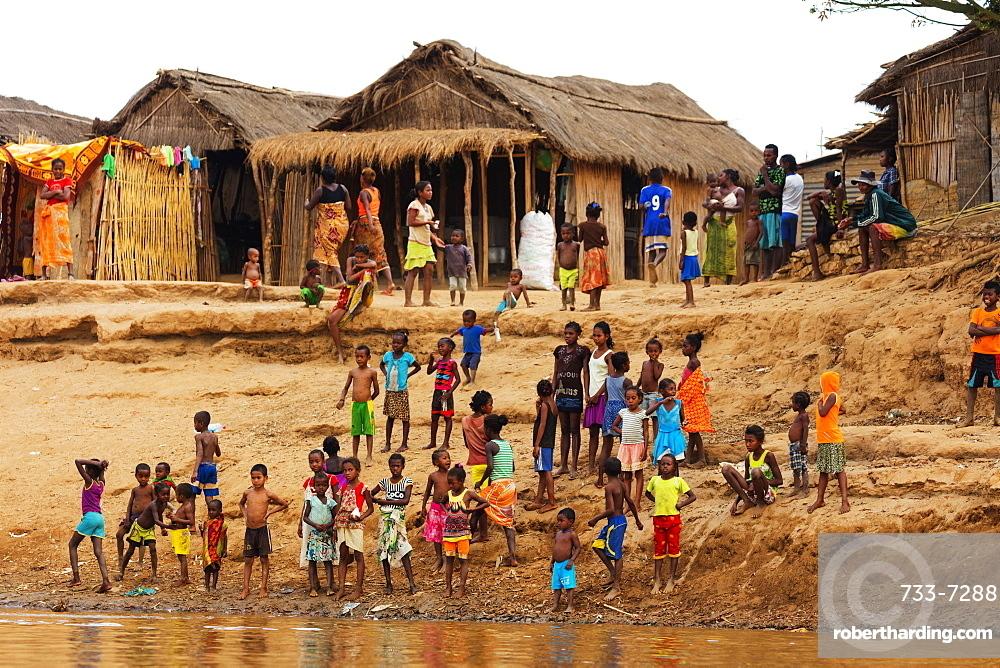 Village people, Tsiribihina River, western area, Madagascar, Africa