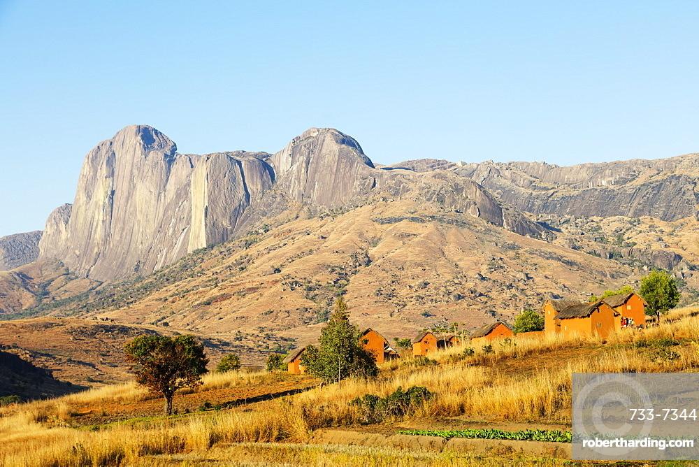 Betsileo village, Tsaranoro Valley, Ambalavao, central area, Madagascar, Africa