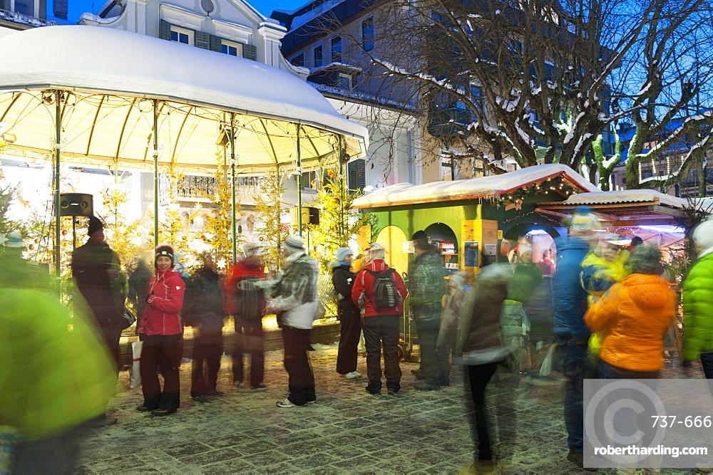 People at Christmas market, Haupt Square, Schladming, Steiermark, Austria, Europe