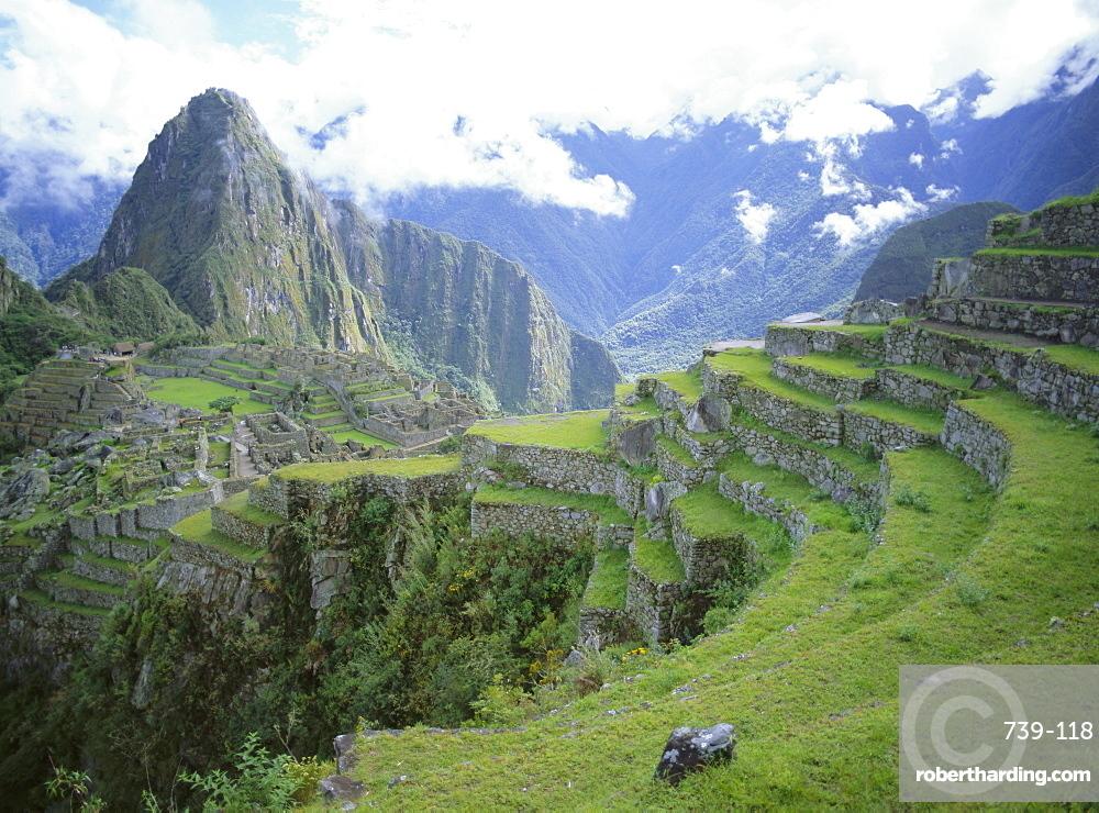 Inca terraces and ruins, Machu Picchu, UNESCO World Heritage Site, Peru, South America