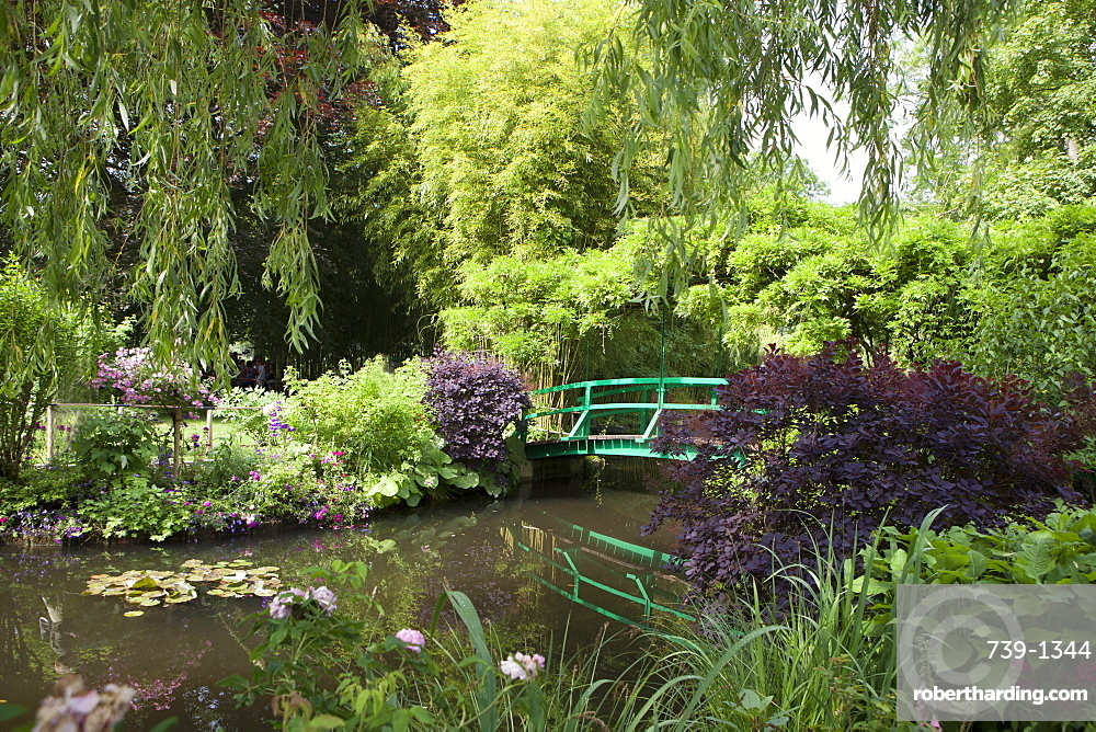 Claude Monet's Garden, the bridge over the lily pond, the inspiration for many of Monet's paintings, Giverny, Normandy, France, Europe