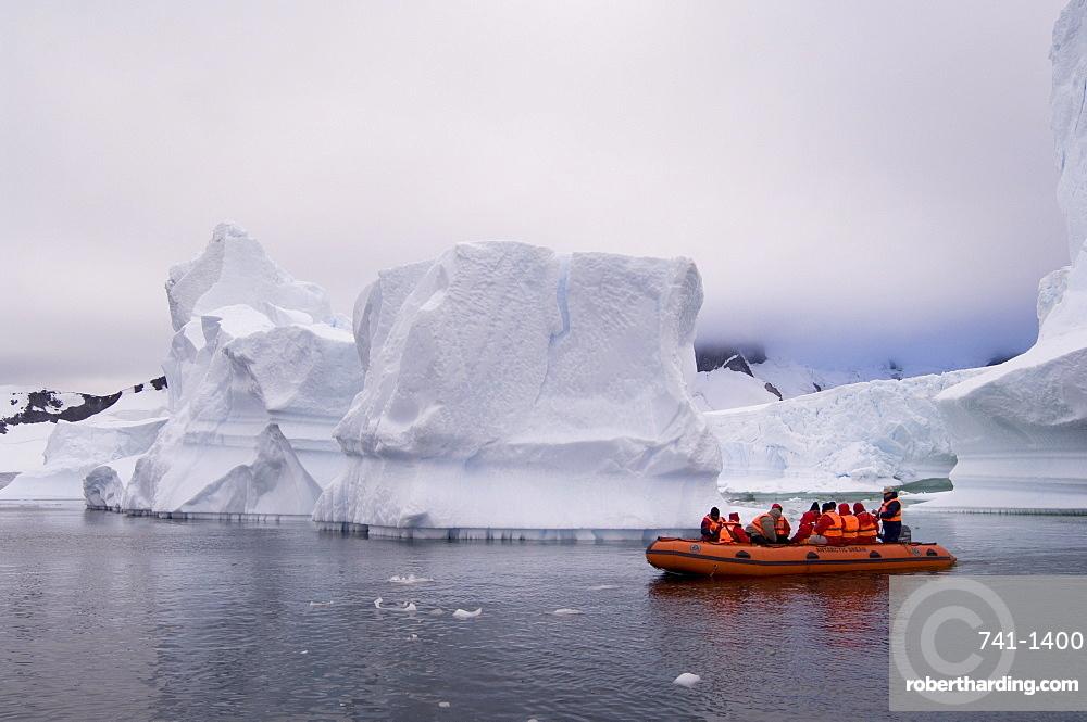 Icebergs near Pleneau Island, Lemaire Channel, Antarctic Peninsula, Antarctica, Polar Regions