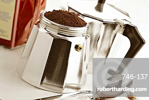 Preparation of coffee, Italy