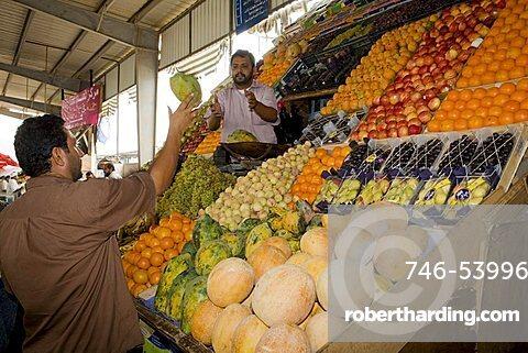 Fruit market, Al Mukalla, Yemen, Middle East
