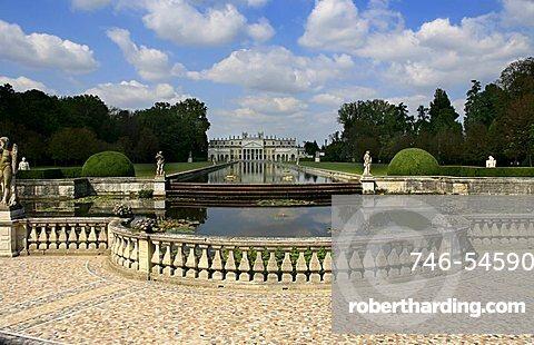 Garden, Villa Pisani, Stra, Veneto, Italy