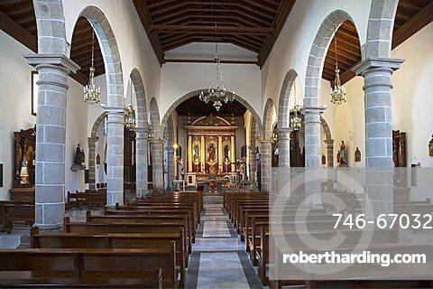 The triple-nave parish church