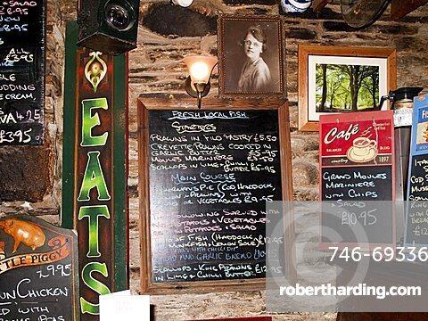 Pub, Camelford, Cornwall, England, Great Britain