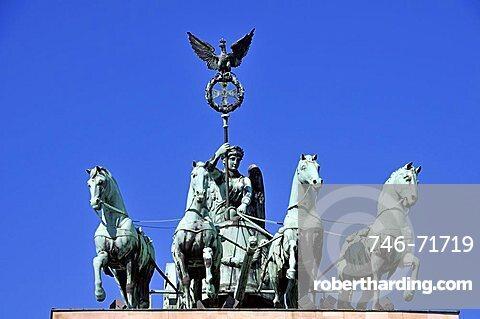 The Quadriga atop the Brandenburg Gate, Pariser Platz, Berlin, Germany, Europe