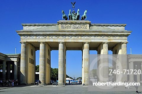 Brandenburg Gate, Pariser Platz, Berlin, Germany, Europe