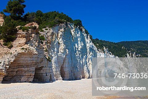 Vignanotica Bay, coast between Mattinata and Vieste, Gargano Promontory, Gargano National Park, Puglia, Italy