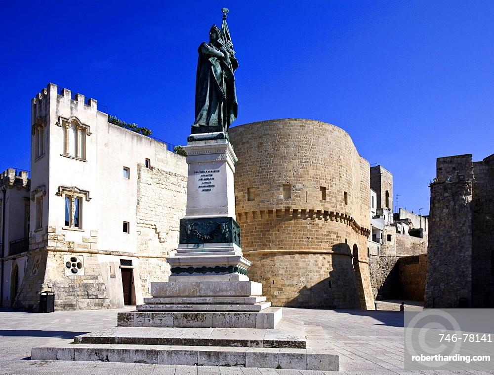 Piazza degli Eroi, Otranto, Salento, Apulia, Italy