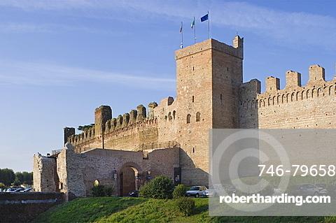 walls, cittadella, italy
