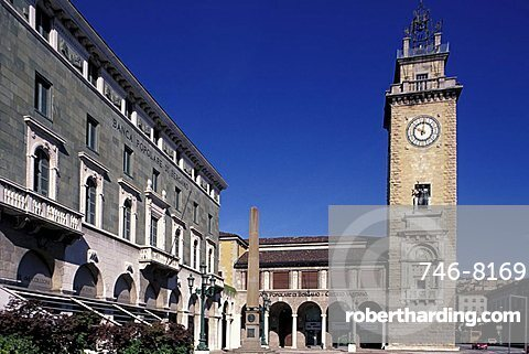 Piazza Vittorio Veneto, Bergamo, Lombardy, Italy