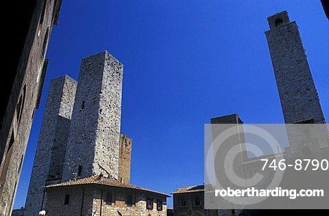 Cityscape of San Gimignano with the towers, San Gimignano, Tuscany, Italy