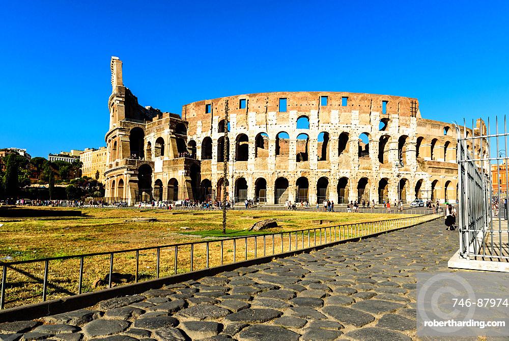 Colosseum or Coliseum, also known as the Flavian Amphitheatre, Roman Forum, UNESCO World Heritage Site, Rome, Lazio, Italy, Europe