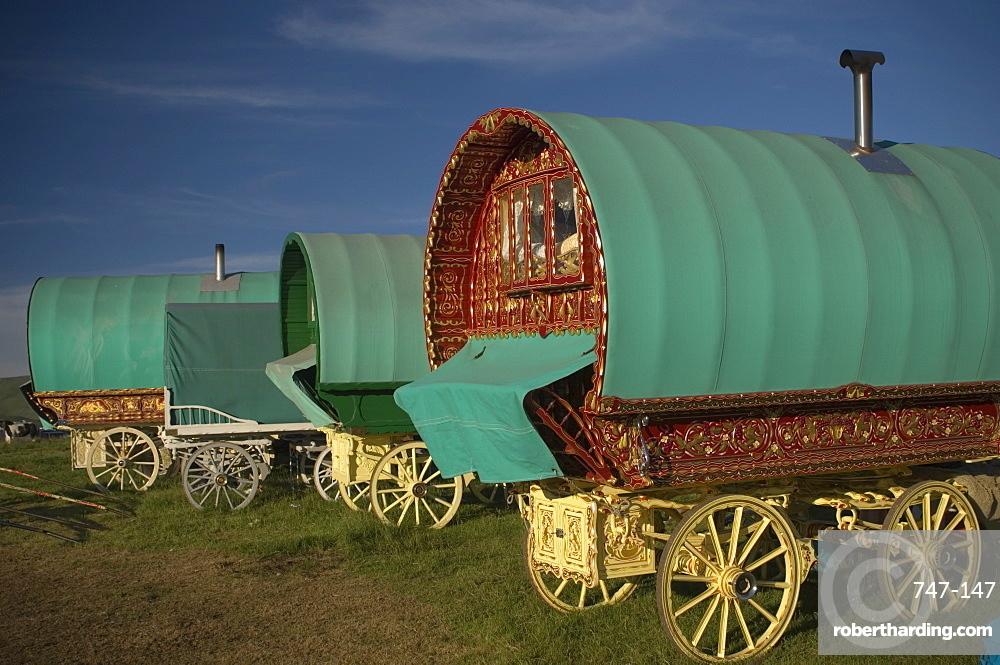 Horse drawn hooped caravans, Appleby annual horse fair, Eden Valley, Lake District, Cumbria, England, United Kingdom, Europe