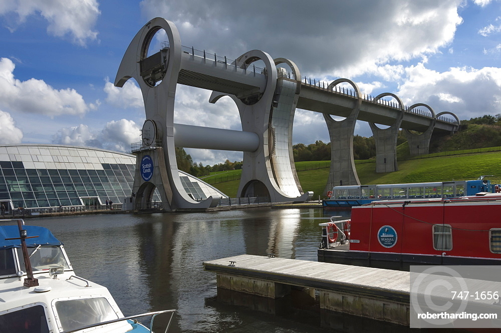 The Falkirk Wheel, connecting the Forth Clyde Canal to the Union Canal, designed by Tony Kettle and opened in 2002, Falkirk, Scotland, United Kingdom, Europe