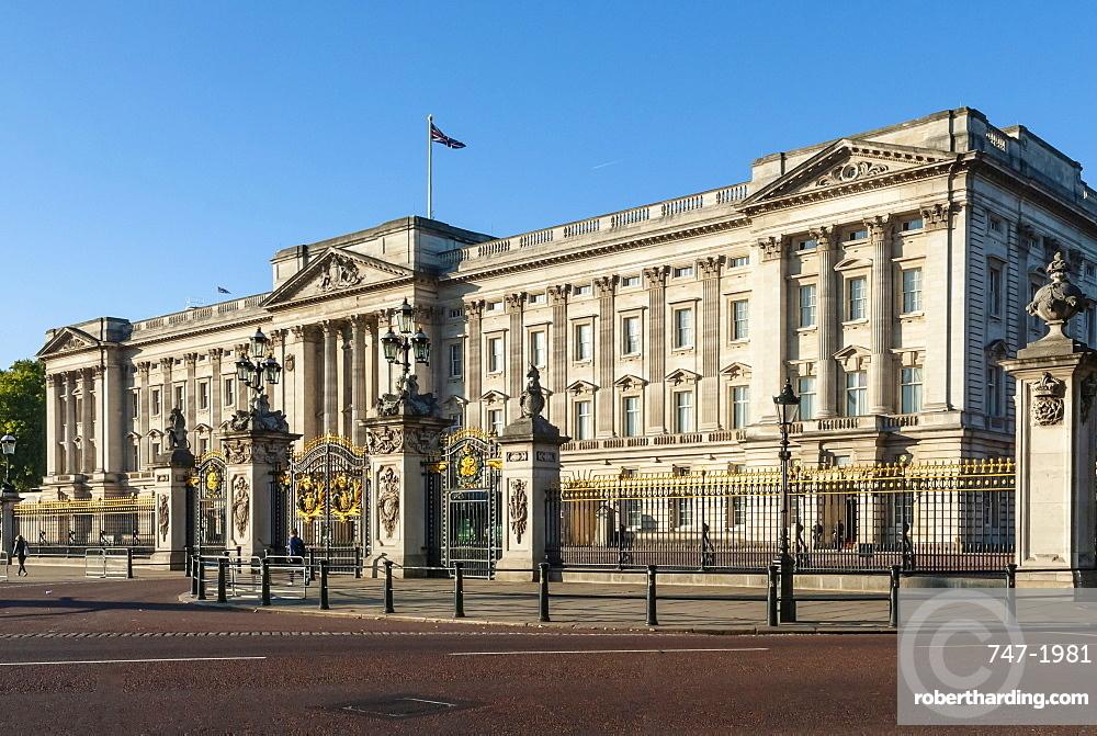 Buckingham Palace, near Green Park, London, England, United Kingdom, Europe