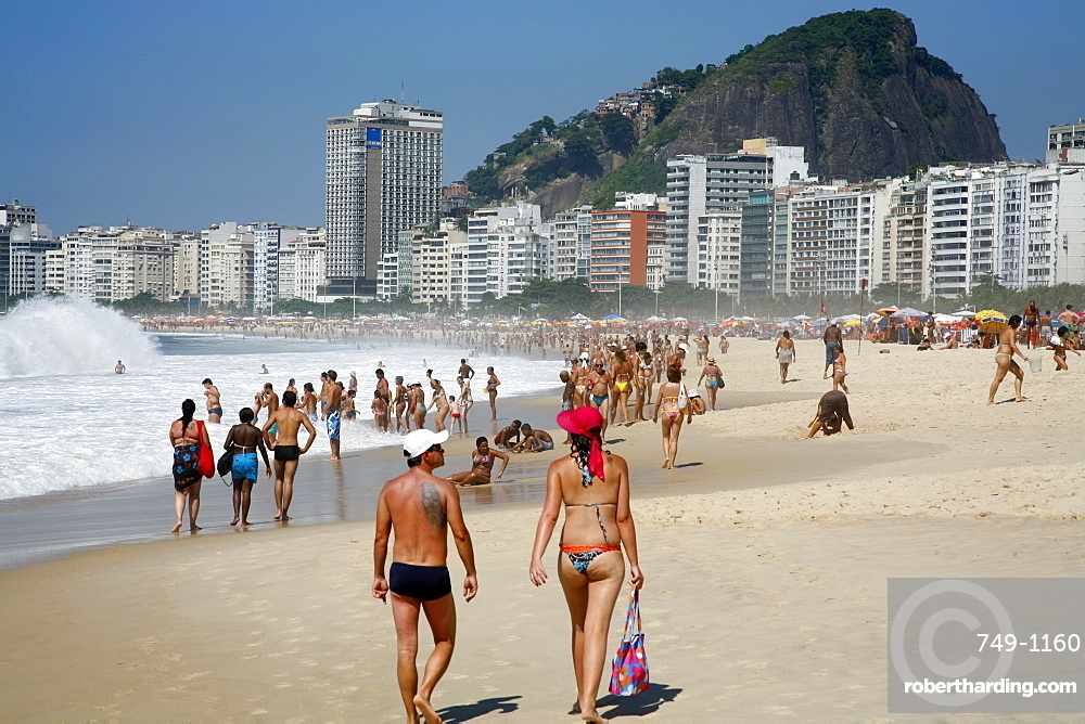 Carnival: Capture the Spirit of Rio on Your Brazil Tour