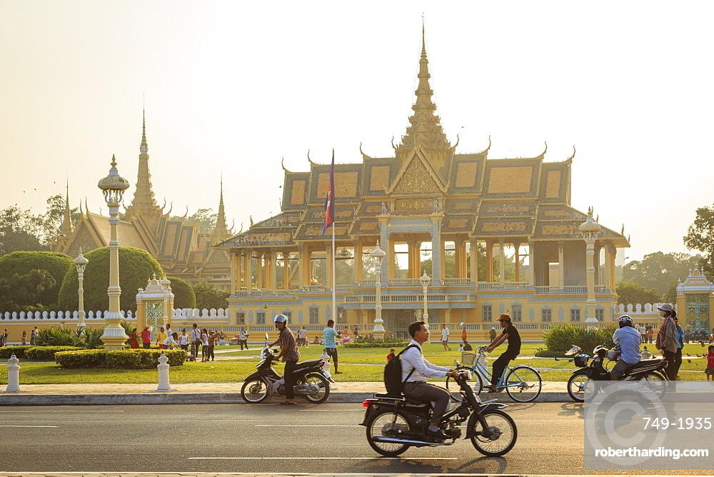 The Royal Palace, Phnom Penh, Cambodia, Indochina, Southeast Asia, Asia