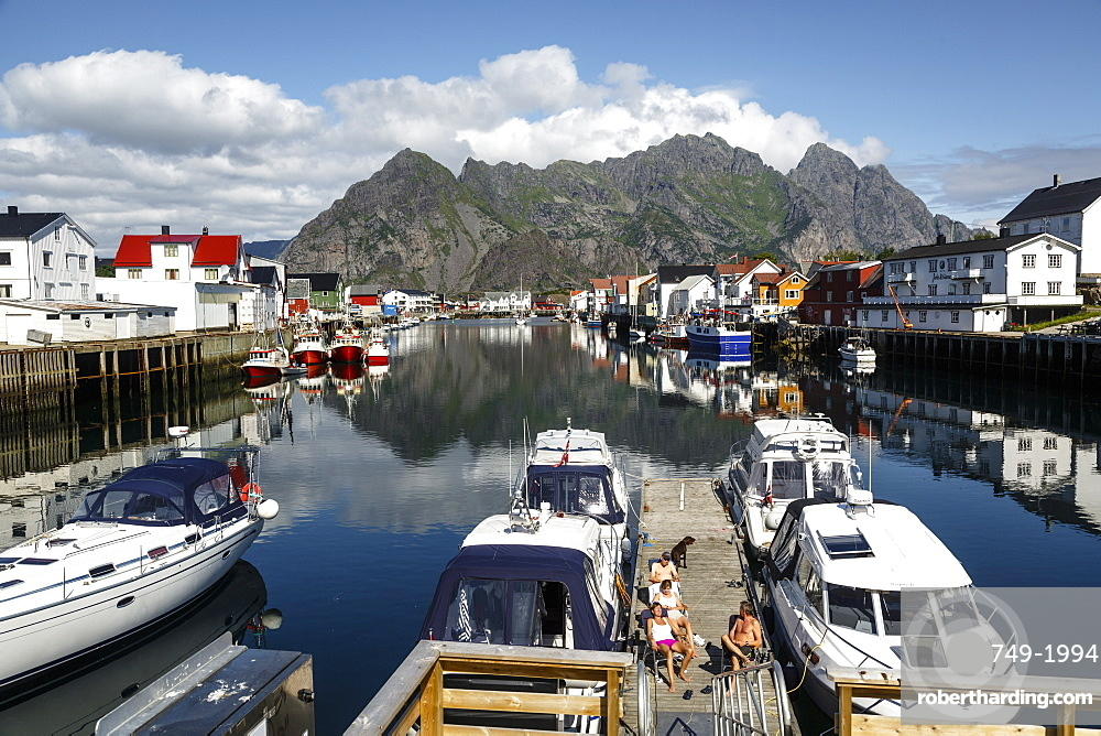 Henningsvaer village, Lofoten Islands, Arctic, Norway, Scandinavia, Europe