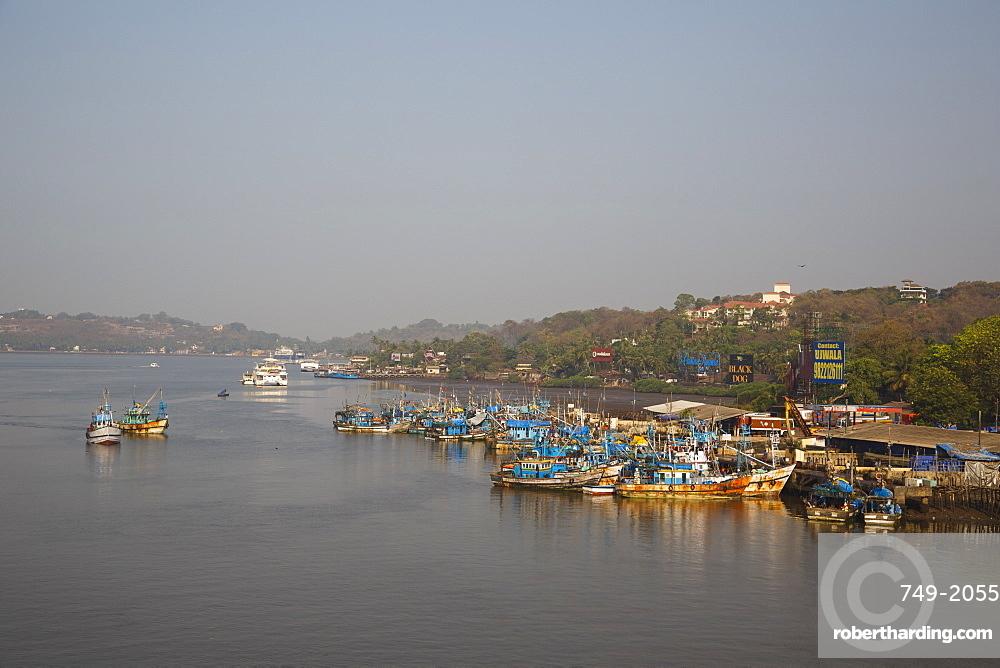 Fishing harbour at Panjim, Goa, India, Asia