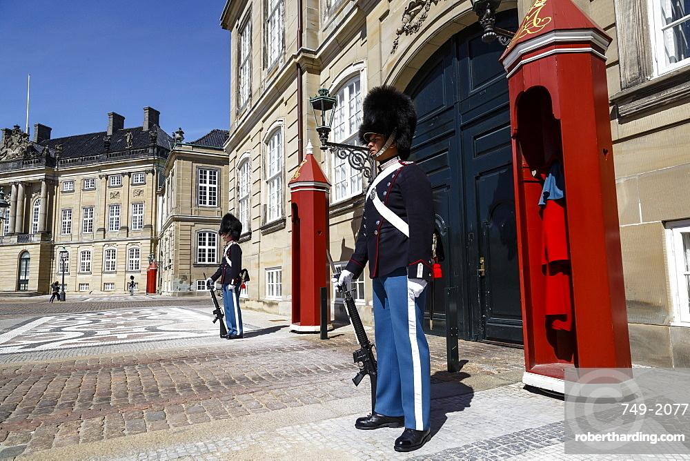 Guards at Amalienborg Royal Palace, Copenhagen, Denmark, Scandinavia, Europe