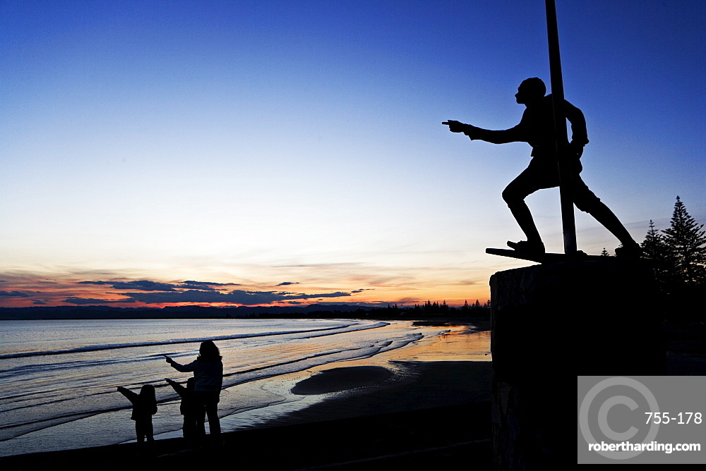 Statue of Young Nick, James Cook's cabin boy, who first sighted land, Gisborne, North Island, New Zealand, Pacific