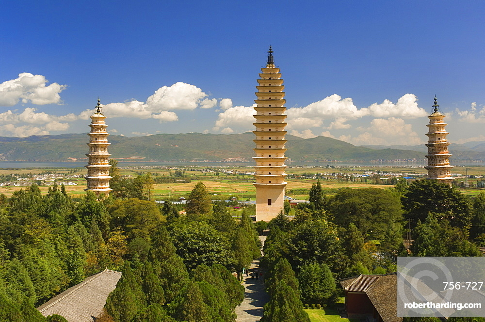 The Three Pagodas, and Erhai Lake in background, Dali Old Town, Yunnan Province, China, Asia
