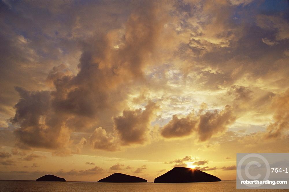 Sunrise behind Bainbridge Rocks, off James Island, Galapagos Islands, UNESCO World Heritage Site, Ecuador, Pacific, South America