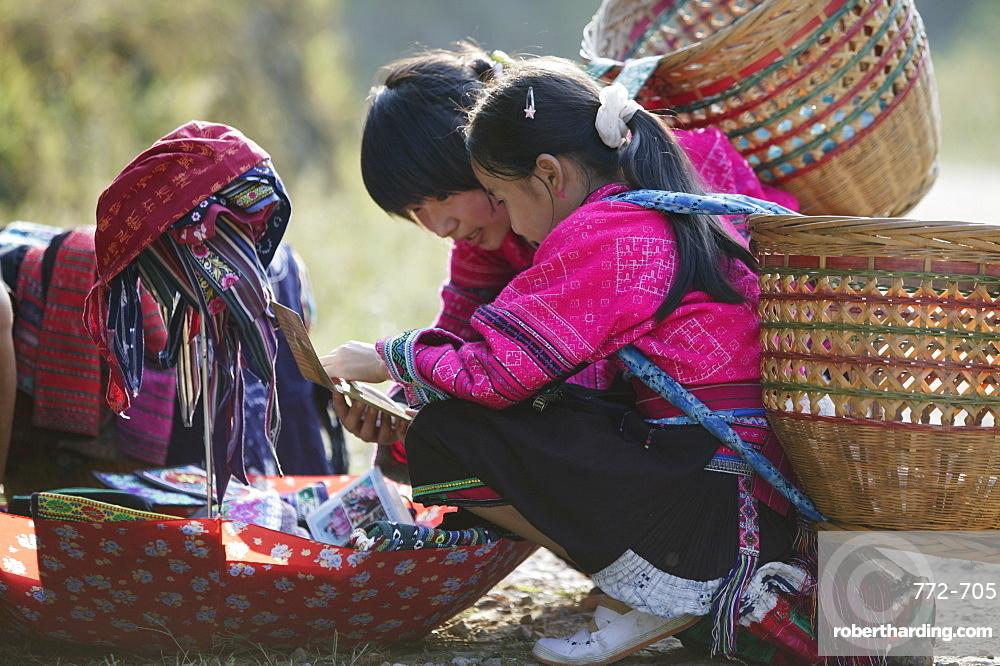 Girls of Yao minority, Longsheng terraced ricefields, Guilin, Guangxi Province, China, Asia