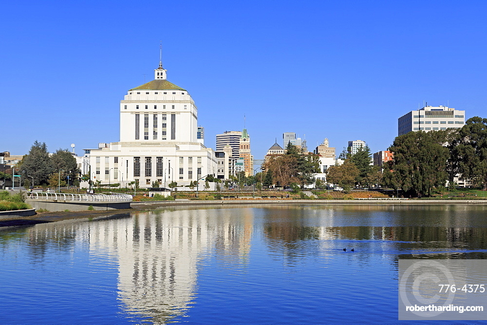 Alameda County Court House and Lake Merritt, Oakland, California, United States of America, North America