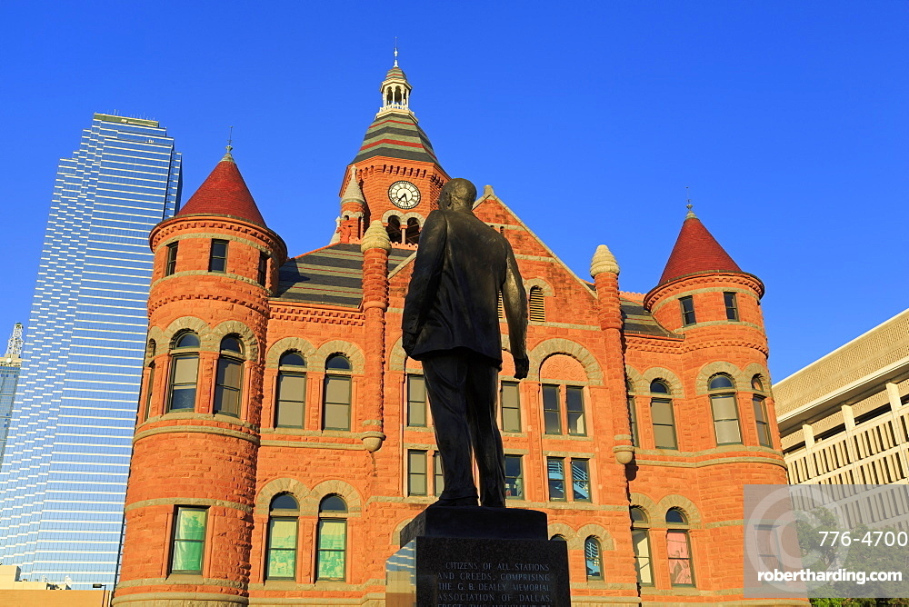 George Dealey statue and Old Red Museum, Dealey Plaza, Dallas, Texas, United States of America, North America